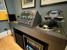 Dj Booth, Drum Machine, Dj Equipment, Dj Music, The Dj, Hifi Audio, Well Thought Out, House Music, Furniture Making