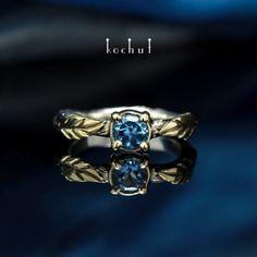 Кольцо «Достоинство». Серебро, золото, топаз