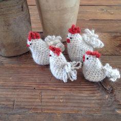 Frk Rosengren hæklet høns