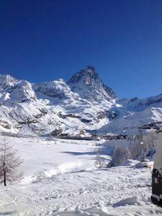 "fantastica montagna "" IL CERVINO "" fantastic mountain  "" IL CERVINO ""  #cervino #breuilcervinia #valtournenche #aostavalley #italy #mountains #mountain #mountainphotos #alps #alpi #alpinismo #skyrunning #runner #running #instarunners #sportdimontagna #landscape #instatrail #mountainlover #skyrace"
