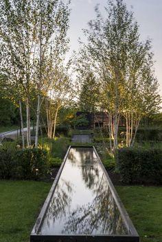 Wasser - Spiegel des Himmels: moderner Garten von GartenLandschaft Berg & Co. GmbH