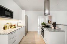 Tilaukseni - Zentuvo Kitchen Island, Kitchen Cabinets, Home Decor, Island Kitchen, Decoration Home, Room Decor, Kitchen Base Cabinets, Dressers, Kitchen Cupboards