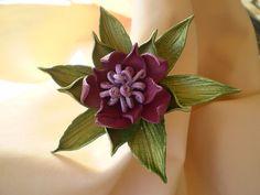 Leather flower Sandy. por Sculptedleather en Etsy