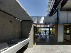 Cliff Face House   Palm Beach   by Fergus Scott Architects and Peter Stutchbury Architecture   Winner of 2012 Wilkinson Award