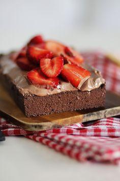 VEGAN BROWNIES (ME 3 ΜΟΝΟ ΥΛΙΚΑ) | Cool Artisan Vigan, Vegan Brownie, Tiramisu, Brownies, Cheesecake, Artisan, Cakes, Eat, Ethnic Recipes
