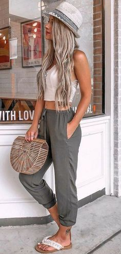 Fashion: 48 Pretty Summer Outfits you Must to Try in holida. holiday outfits 48 Pretty Summer Outfits you Must to Try in holiday fashion # fashion Cool Summer Outfits, Summer Fashion Outfits, Simple Outfits, Spring Summer Fashion, Trendy Outfits, Summer Dresses, Holiday Dresses, Style Summer, Casual Summer Outfits Women