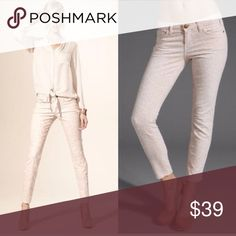 "🎉HOST PICK X 2🎉Current/Elliot Jeans Current/Elliott skinny jeans that are ""The Stiletto Cut"" with a light animal print all over. The color is cream with a dusty peach print. These are 98% cotton, 2% elastin. Measurements are waist laying flat 16 1/2"" across, rise 8"", inseam 28"" inches. Good condition!!!!🍊 Current/Elliott Jeans Skinny"