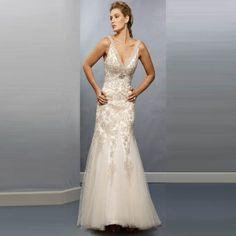 Bash Corner - http://www.bashcorner.com/how-to-find-a-vintage-wedding-dress/