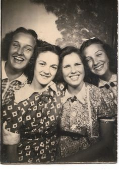 +~ Vintage Photo Booth Picture ~+  Best of Friends!