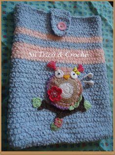 Case para notebook com bolso coruja para fone de ouvido em crochê Preço:R$65,00