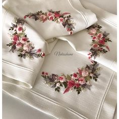 Wonderful Ribbon Embroidery Flowers by Hand Ideas. Enchanting Ribbon Embroidery Flowers by Hand Ideas. Brazilian Embroidery Stitches, Embroidery Bags, Hardanger Embroidery, Simple Embroidery, Learn Embroidery, Silk Ribbon Embroidery, Hand Embroidery Patterns, Embroidery Designs, Floral Embroidery