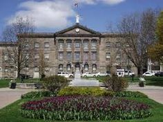 In the centre of Brockville is the Brockville Court House. Largest Countries, Countries Of The World, Thousand Islands, O Canada, Ontario, Places To See, River, Mansions, Architecture
