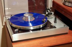 Thorens TD160 MKII photo by Maxseven777 Platine Vinyle Thorens, Hifi Speakers, Hi End, Record Players, Audio Equipment, Audiophile, Cool Websites, Turntable, Crowd