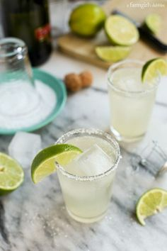 Prosecco Margaritas {big-batch cocktail} from http://afarmgirlsdabbles.com