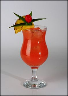 Hurricane Cocktail Drinks, Cocktails, Yummy Drinks, Recipies, Beverages, Food And Drink, Cooking Recipes, Foods, Glass