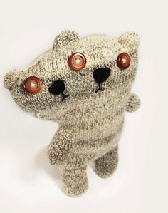 knitted bear by Elien Dauwe -- This is weird and creepy and I love it!