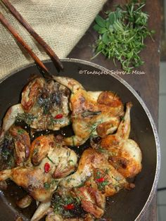 Codornizes Picantes com Alho e Ervas Aromáticas Portuguese Recipes, Portuguese Food, Spanish Food, Quail, Clean Recipes, Main Dishes, Chicken Recipes, Food And Drink, Tasty