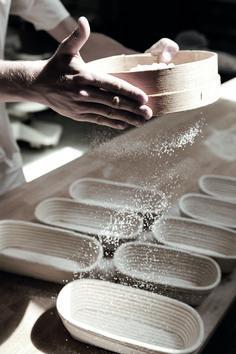 Ob grob mit 17,5 cm oder fein mit 20 cm: Die Masche der Osttiroler Mehlsiebe ist immer die gleiche: höchste Produktqualität. Im Sinne der Natur und ihrer Geniesser. Perfekt geeignet zur Herstellung von Schrot, Grieß und feinstem Mehl.  Einfach beide Siebe ineinander stellen und oben Vollkornmehl einfüllen. Im oberen Sieb verbleibt nach dem Sieben grobe Kleie, zwischen den beiden Sieben Grieß und unten fällt feines Mehl aus. #mehlsieb #nachhaltigkeit #natur #genuss #brot Grob, Simple, Whole Wheat Flour, Sustainability, Products