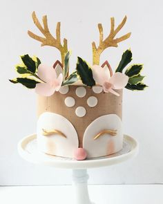 Christmas Cake Ideas With A Wow Factor To Impress Your Guests Cow Cakes, Girl Cakes, Cupcake Cakes, Cake Cookies, Pretty Cakes, Beautiful Cakes, Amazing Cakes, Christmas Desserts, Christmas Baking