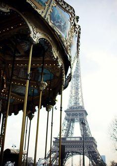 Paris-One of my favorite places in the world! Tour Eiffel, Paris Torre Eiffel, Oh The Places You'll Go, Places To Travel, Places To Visit, Paris 3, Paris France, Paris Girl, Dream Vacations