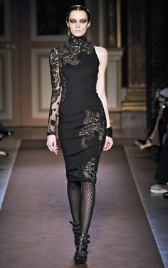 Andrew Gn Autumn Winter Asymmetrical stretch jersey dress with hand-appliqué lace. Dark Fashion, Gothic Fashion, High Fashion, Net Fashion, Classy Fashion, Runway Fashion, Womens Fashion, Dressed To Kill, Elegant Dresses