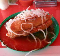 Las Tortas Ahogadas son un platillo típico de la   zona de Guadalajara, estado de Jalisco, que se ha   extendido por todo el territorio mexi...
