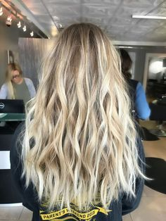 Ideas haircut lob blonde highlights Ideas haircut lob blonde highlights The Eff Blonde Highlights On Dark Hair Short, Blonde Hair Looks, Brown Blonde Hair, Platinum Blonde Hair, Hair Highlights, Brunette Hair, Short Blonde, Highlighted Blonde Hair, Blonde Lob Hair