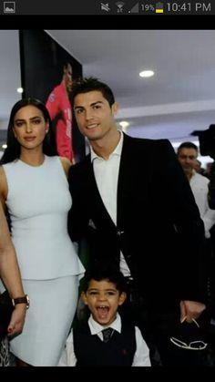 Hermosa familia. Irina Shayk, Cristiano Ronaldo, Cristiano Ronaldo Jr.♥