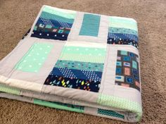 Quiltonomics Article by Jennifer Moore: Before I started quilting about a year and a half ago, the only thing I knew was hearing about high quality Amish quilts sold in locations like rural Pennsylvania. As ridiculous as that sounds, tha. Quilting Blogs, Longarm Quilting, Quilting Tutorials, Quilting Ideas, Quilting Projects, Sewing Tutorials, Sewing Ideas, Sewing Projects, Grey Quilt