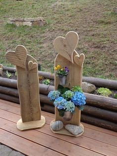 Heart – wood – creative Heart vase in a rustic look with a polished back Wood Block Crafts, Pallet Crafts, Wood Crafts, Diy And Crafts, Woodworking For Kids, Easy Woodworking Projects, Woodworking Jigs, Woodworking Patterns, Wood Vase