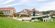 Bin immer wieder überrascht wie schön es doch in Loipersdorf ist. Gibt einfach so viele schöne Hotels dort. Kann man nur empfehlen. :) Restaurant, Bad, Mansions, House Styles, Home Decor, Beautiful Hotels, Places, Vacation, Simple