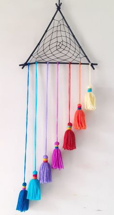 Diy Crafts Hacks, Diy Crafts For Gifts, Diy Home Crafts, Diy Arts And Crafts, Craft Stick Crafts, Decor Crafts, Craft Ideas, Wool Wall Hanging, Wall Hanging Crafts