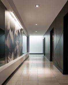 Luxury lift pinterest plafond en bois couloir for Bureautique bayonne