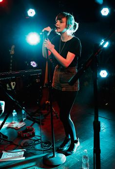 lauren mayberry is too perfect I can't take it