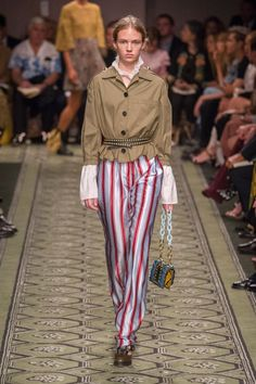 Burberry Gave Us a Fashion History Lesson We Can Shop Right Now Burberry Show at London Fashion Week September 2016