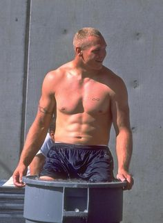 Brian Urlacher : Rare, behind-the-scenes photos of Chicago Bears' Brian Urlacher