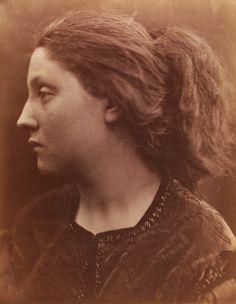 Adriana Clio, photo Julia Margaret Cameron (1815-79). Photograph. England, 1866.
