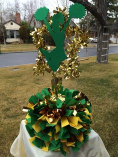 New sport party decorations centerpieces cheer banquet ideas Cheer Banquet, Football Banquet, Football Cheer, Cheer Party, Sports Party, Cheerleader Party, Cheerleader Girls, Banquet Decorations, Banquet Ideas