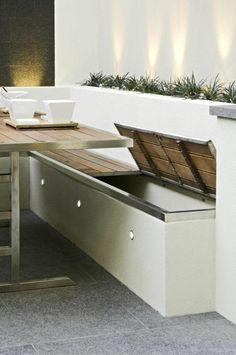 Sitzbank mit Stauraum für die Terrasse