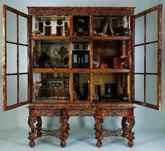 Doll House Cabinet, Rijksmuseum made in Sweden in 17th century for Petronella Oortman, wife of merchant Johannes Brandt, from Amsterdam.