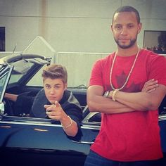 imagine walking down the street & hearing somebody whistle at you so you turn around to see who it is and you find justin pointing at you like this & then whisper something to his friend about you. i think i just died. aldkjf