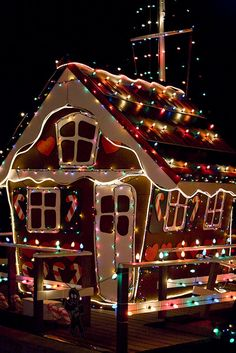 Gazebo Ideas Gingerbread House - Christmas in Balboa Island, Newport Beach, California Gingerbread Christmas Decor, Merry Christmas, Candy Christmas Decorations, Christmas Yard, Christmas Holidays, Gingerbread Houses, Italian Christmas, Gingerbread Cookies, Holiday Lights