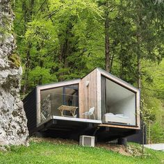 Architektur Latest Drug Abuse Statistics in Young People This November, there have been several new Tiny Cabins, Tiny House Cabin, Cabin Homes, Cabin Design, Tiny House Design, Casas Containers, Shipping Container House Plans, Forest House, Prefab Homes