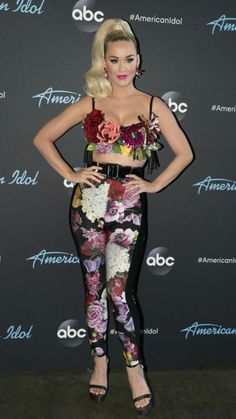 Katy Perry Outfits, Katy Perry Pictures, Her Music, Celebrity Pictures, Pretty Woman, Celebs, Celebrities, Sexy Women, Wonder Woman