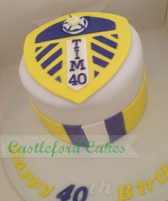 Leeds united lufc cake 40th Cake, 60th Birthday Cakes, Cupcake Cakes, Cupcakes, Leeds United, Cake Ideas, Cake Decorating, Unicorn, Daddy