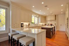 DOWNSVIEW CABINETRY Avenue Project - traditional - Kitchen - Calgary - Empire Kitchen & Bath