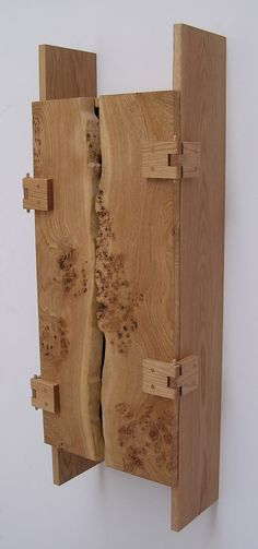 pippy+oak+wall+cabinet+with+++waney+edge.jpg (image)