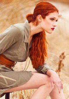 Nicole Fox for Steve Madden // Born Nicole Fox March 1991 (age Colorado, USA Height 5 ft 7 in Hair color Red Eye color Green Measurements (US) Weight 110 lb Dress size (US) Red Hair Color, Eye Color, Color Red, Nicole Fox, Corte Y Color, Gorgeous Redhead, Redhead Girl, Strawberry Blonde, Red Hair