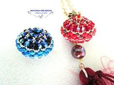 TROTTOLA SUPERBIA , 1 DEI 7 PECCATI CAPITALI. Beading Projects, Beading Tutorials, Beading Patterns, Beaded Jewelry, Handmade Jewelry, Beaded Bead, Twin Beads, Beaded Ornaments, Jewelry Making Tutorials