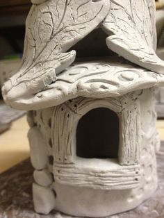 Most up-to-date Pictures slab Ceramics house Thoughts Ceramic Fairy Houses Lesson (Part One-Slab Construction) – Create Art with ME Clay Houses, Ceramic Houses, Ceramic Clay, Porcelain Clay, Doll Houses, Clay Fairy House, Fairy Garden Houses, Fairy Gardens, Fairies Garden